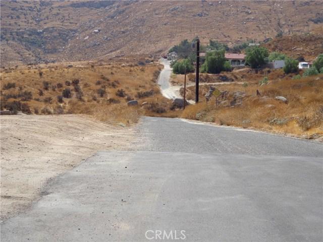 9325 JODEN RD, Moreno Valley CA: http://media.crmls.org/medias/03b5686e-703b-40e3-b01c-69569f2ed8ca.jpg