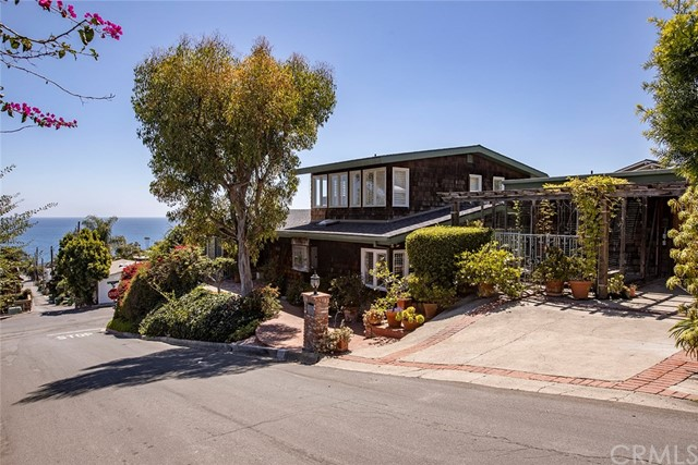 Photo of 950 Hillcrest Drive, Laguna Beach, CA 92651