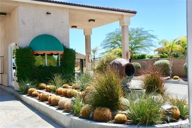 65119 South Cliff Circle, Desert Hot Springs CA: http://media.crmls.org/medias/03d3efb2-dc7c-4b28-a891-e4f1c16d3757.jpg