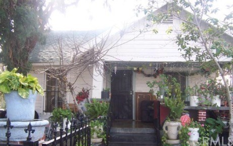 1346 E 33rd Street Los Angeles, CA 90011 - MLS #: CV17189072