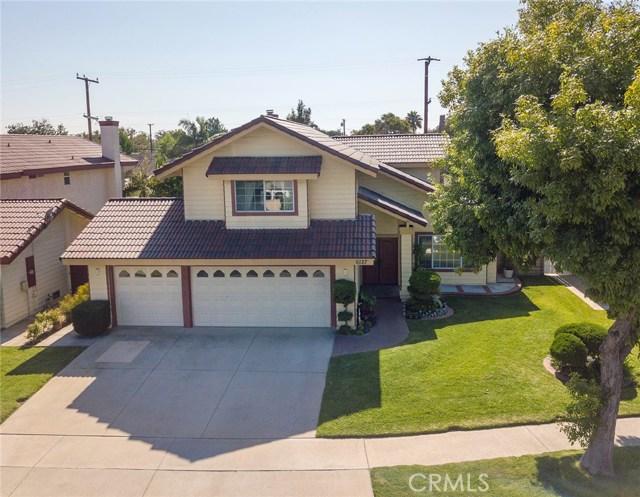 6127 Sunfield Avenue, Lakewood CA: http://media.crmls.org/medias/03f04fdb-982f-4870-8f49-26fbcbb4f9c0.jpg