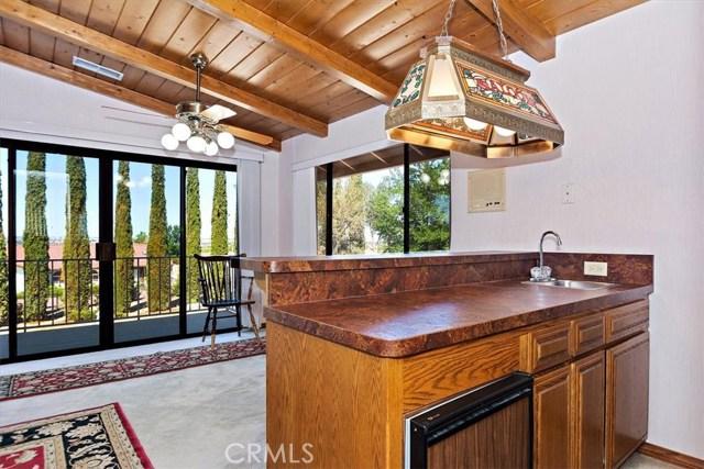 13094 Modoc Court, Apple Valley CA: http://media.crmls.org/medias/0401e716-585b-4cd0-8522-7b0f4ff4c70f.jpg