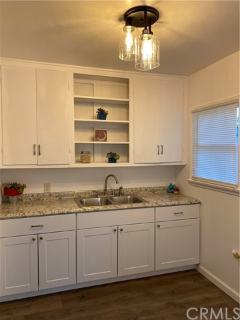 18416 Horst Avenue, Artesia CA: http://media.crmls.org/medias/040244d2-df86-439e-a1b0-0a8fa04bde09.jpg