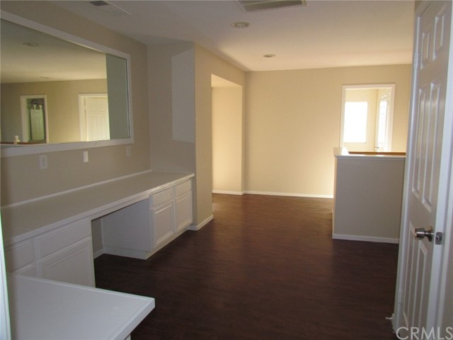 42205 57th W Street, Quartz Hill CA: http://media.crmls.org/medias/0407bd2e-aba4-4856-9458-0773a3e1138c.jpg