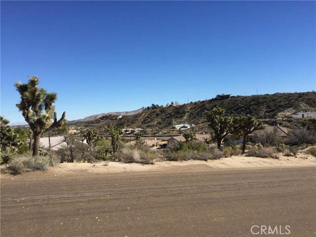 7663 Ventura Avenue, Yucca Valley CA: http://media.crmls.org/medias/040c41a8-0dc1-4a32-b9b7-ebee2f85f3be.jpg