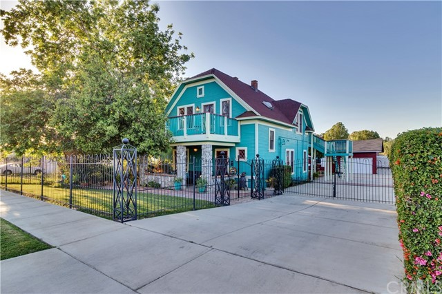 Detail Gallery Image 1 of 65 For 1755 Illinois Ave, Riverside, CA, 92507 - 4 Beds | 1/1 Baths