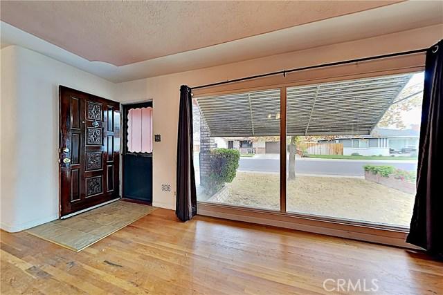 1405 S Nevada Avenue, Los Banos CA: http://media.crmls.org/medias/041f9940-cd99-4c74-8056-e9479597f78b.jpg