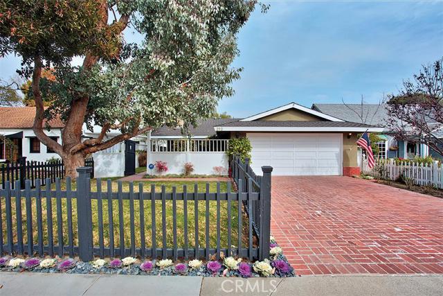 Single Family Home for Sale at 212 Magnolia St Costa Mesa, California 92627 United States