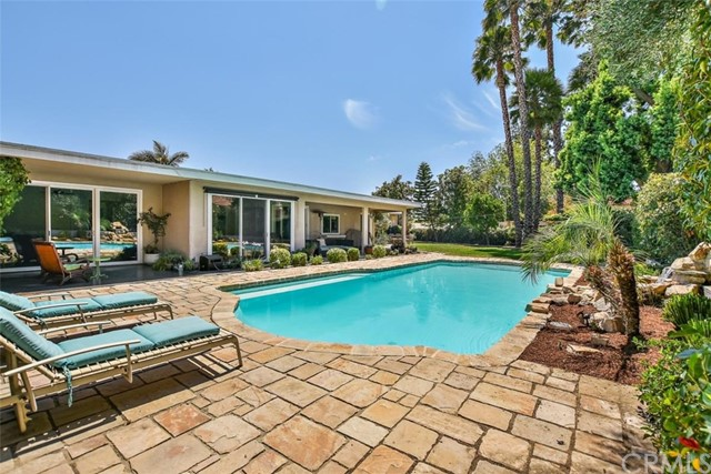 265 W Sonora Place, Claremont CA: http://media.crmls.org/medias/042b4f7b-067d-41af-9997-7b2b7b97a371.jpg