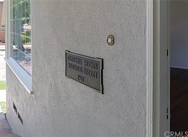 3501 Olive Avenue, Long Beach CA: http://media.crmls.org/medias/0439636c-b9a4-4132-a2dc-50281ab6d15b.jpg