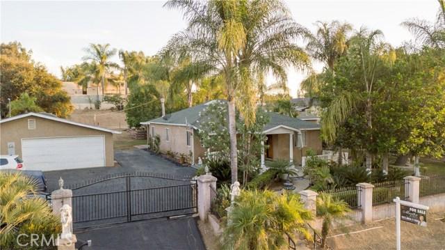 1625 Gum Tree Lane, Fallbrook CA: http://media.crmls.org/medias/044c5a40-a2d5-4a69-a87f-5a527d642800.jpg