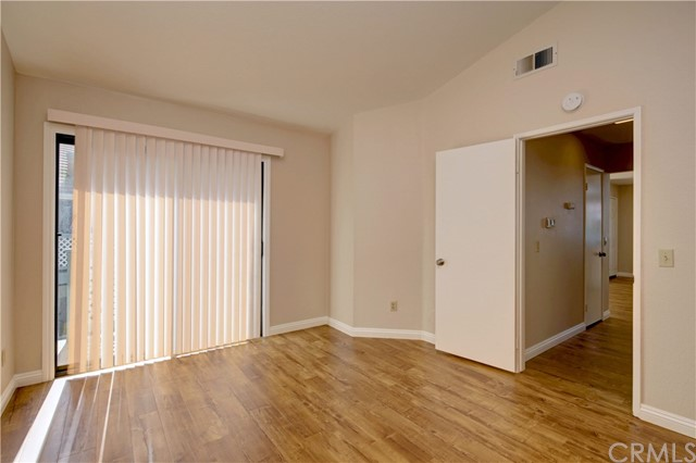 3593 W Greentree Cr, Anaheim, CA 92804 Photo 14