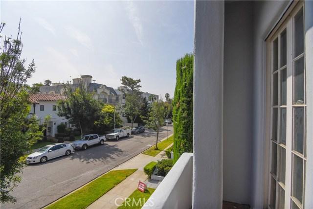 121 S Elm Drive, Beverly Hills CA: http://media.crmls.org/medias/0457dbcd-4eb7-4dd7-ad0b-6c8ba2fb6651.jpg