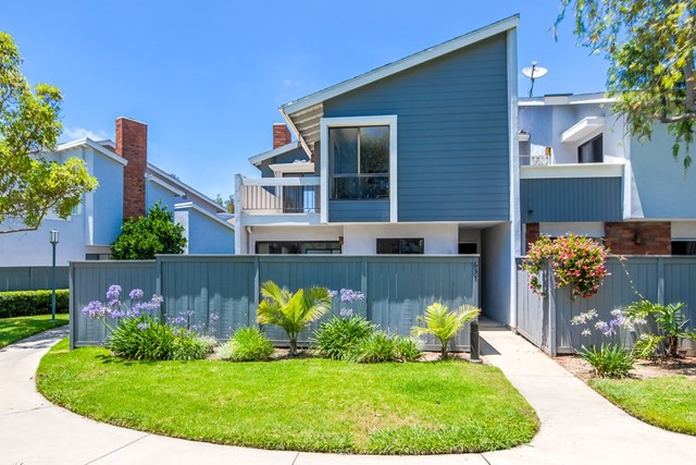 Photo of 635 Whitney Way #130, Costa Mesa, CA 92626