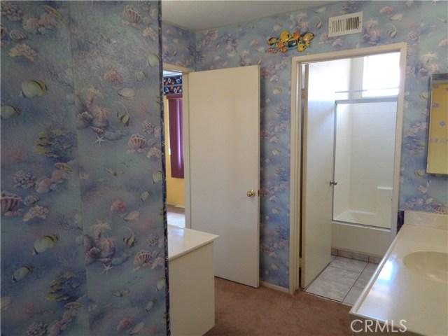 12930 Sample Court, Moreno Valley CA: http://media.crmls.org/medias/04607aff-ca41-4cc1-818d-dd5689bbd4f9.jpg