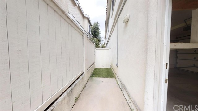 2515 Rockefeller Lane, Redondo Beach CA: http://media.crmls.org/medias/0469d8c1-70cc-4471-8121-3f908304963d.jpg