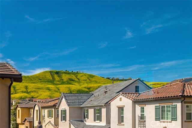 21 Rollizo Street, Rancho Mission Viejo CA: http://media.crmls.org/medias/046cf470-89bc-4e28-8fd2-e4b53d47d03e.jpg