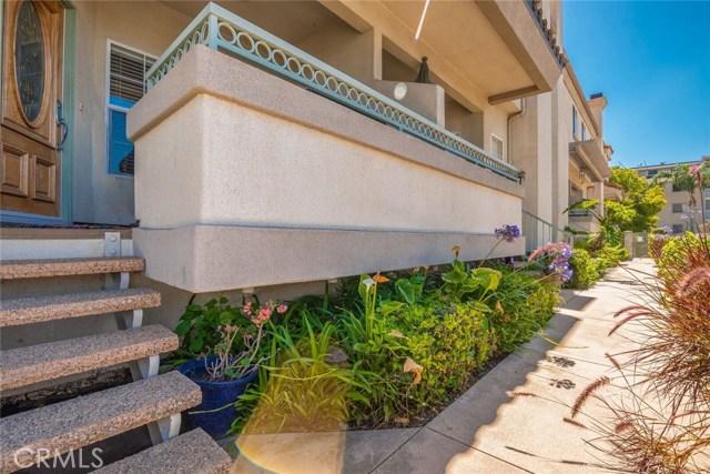 3546 Linden Avenue, Long Beach CA: http://media.crmls.org/medias/047314e6-c5f9-42c9-b4a3-7ae136ccd0eb.jpg