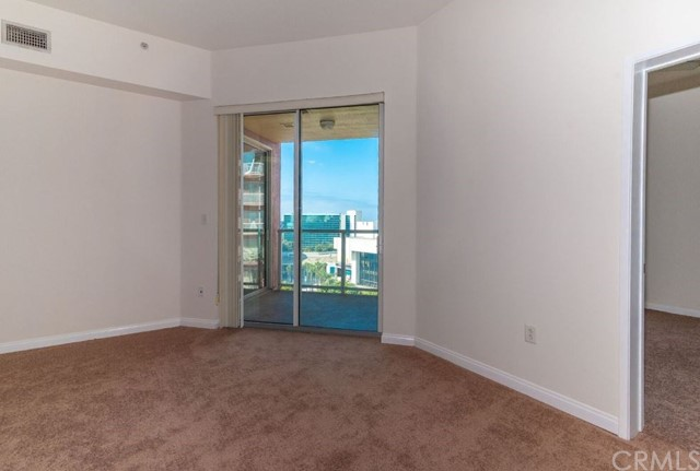388 E Ocean Boulevard, Long Beach CA: http://media.crmls.org/medias/047a07c0-3904-471d-820b-a4eb39f08d91.jpg