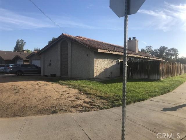3463 3465 Harrison Street, Riverside CA: http://media.crmls.org/medias/047a5bfd-a384-45ad-b6bf-1410302f2fd4.jpg