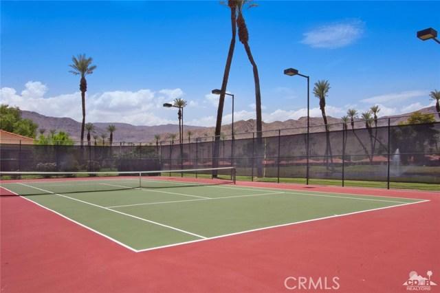 21 La Cerra Drive, Rancho Mirage CA: http://media.crmls.org/medias/0485c165-1985-449e-b21f-017f8c5ad761.jpg