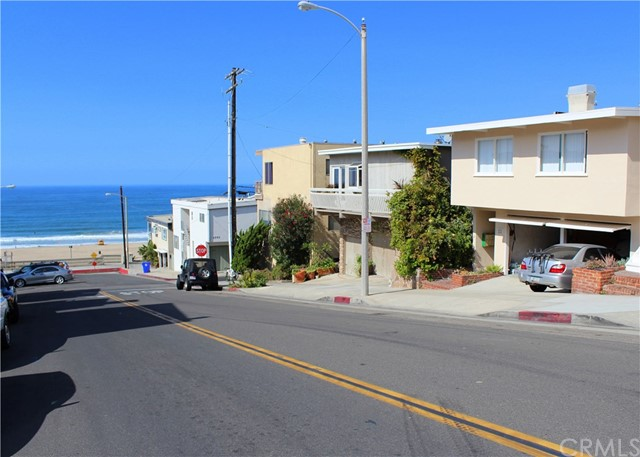 121 Rosecrans Avenue  Manhattan Beach CA 90266