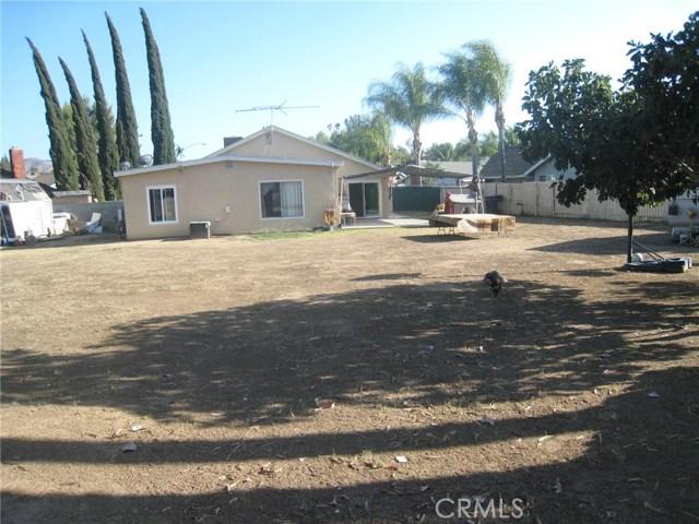 4481 Clarksdale Drive, Riverside CA: http://media.crmls.org/medias/048bdb15-29e7-4216-822f-510e005cca24.jpg