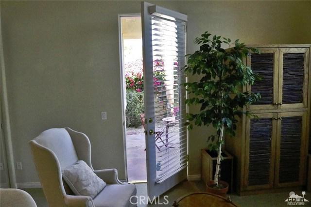5 Varsity Circle, Rancho Mirage CA: http://media.crmls.org/medias/0493b402-22e6-4e44-b5ec-2fcbb6f3fc2c.jpg