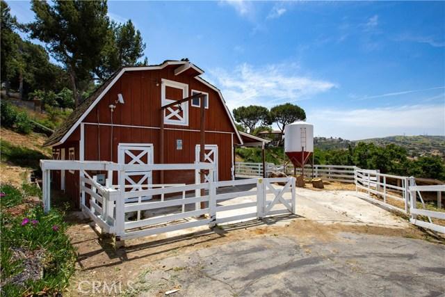 地址: 2345 Oakleaf Canyon Road, Walnut, CA 91789