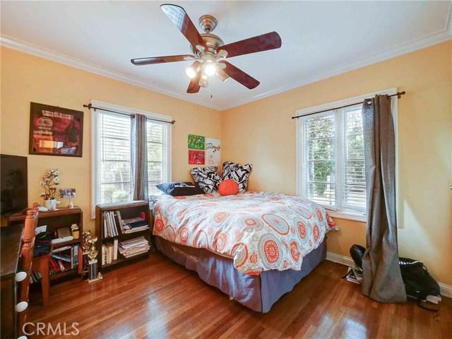 423 N Magnolia Avenue, Monrovia CA: http://media.crmls.org/medias/049e3e56-dac6-43cd-9fa6-6513a108e670.jpg
