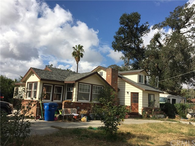 8947 Noble Avenue, North Hills CA: http://media.crmls.org/medias/049ef185-25f2-4d68-a51a-9e8431cf56d7.jpg