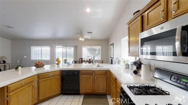 68670 San Felipe Road, Cathedral City CA: http://media.crmls.org/medias/04a49c2d-ef5c-4371-97b7-711dc36c065d.jpg