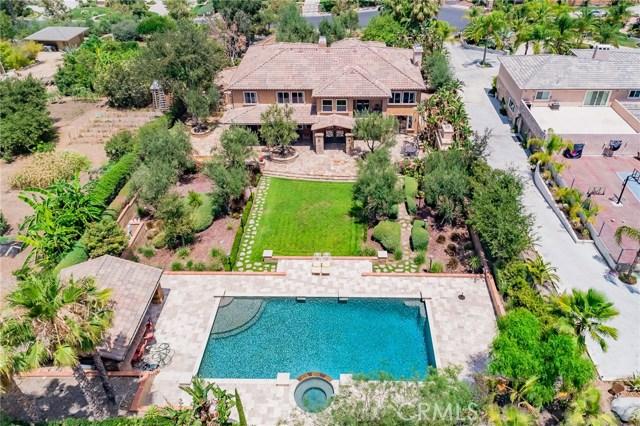 954 White Ranch Circle, Corona CA: http://media.crmls.org/medias/04a7f360-305f-4b5d-969f-eeb96c461aae.jpg