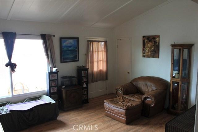 1051 Atlantic City Avenue, Grover Beach CA: http://media.crmls.org/medias/04a868ea-a2bb-4fc6-83a5-6b0cf47e56d2.jpg