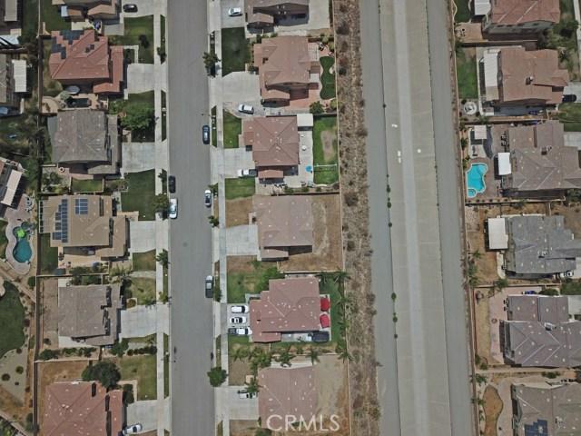 15412 Thistle Street, Fontana CA: http://media.crmls.org/medias/04c04e2a-0d88-4183-bb73-2d515c7edc50.jpg