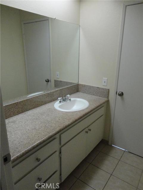 1723 E Flora Street, San Bernardino, California 91764, 2 Bedrooms Bedrooms, ,1 BathroomBathrooms,CONDO,For sale,Flora,MB15234080