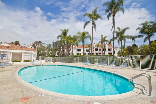 19561 Pompano Lane, Huntington Beach CA: http://media.crmls.org/medias/04c64826-6395-4bb2-b078-e81c7dad091f.jpg