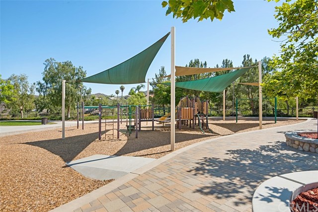 28882 Mountain View Lane, Lake Forest CA: http://media.crmls.org/medias/04c6aced-603f-4a34-a0ce-67b1624a3c32.jpg
