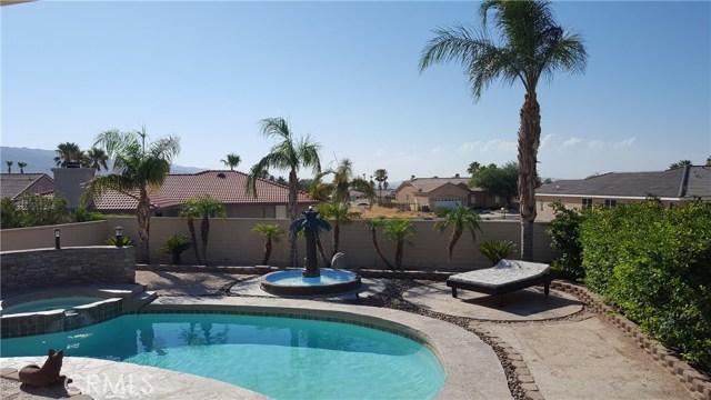 8471 Warwick Drive, Desert Hot Springs CA: http://media.crmls.org/medias/04d064d5-5fce-42af-9c41-8c8b892bdc38.jpg