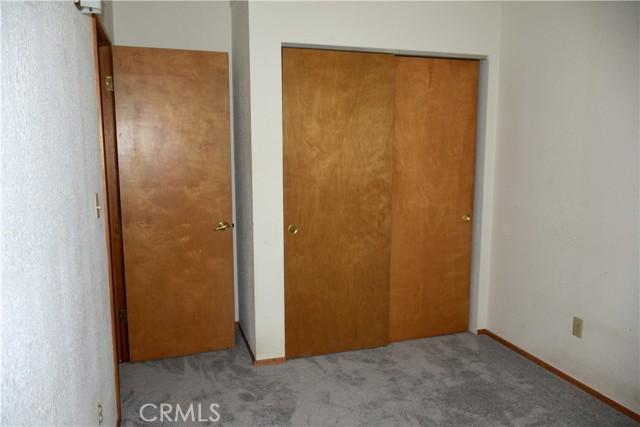 25105 Jewel Drive, Crestline CA: http://media.crmls.org/medias/04d3b2b3-034f-41a5-8948-c7a5042c5126.jpg