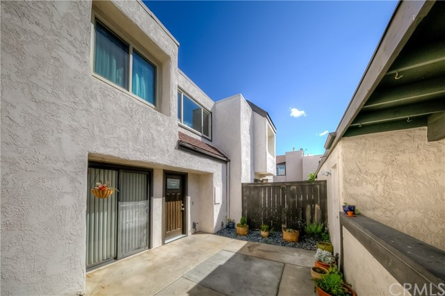 1661 S Heritage Cr, Anaheim, CA 92804 Photo 3