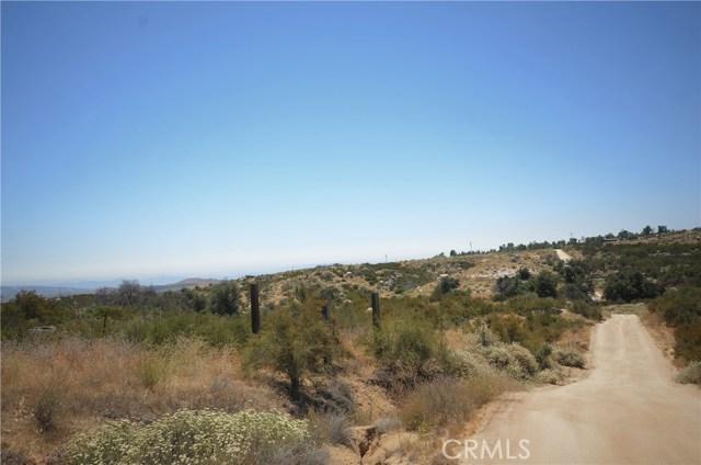 35052 Hobbiton Road, Sage CA: http://media.crmls.org/medias/04e37901-c134-44b8-8289-c002bcc66d1c.jpg
