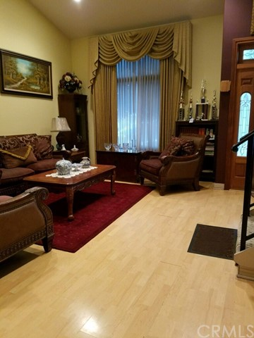 Additional photo for property listing at 9028 Telfair  Sun Valley, 加利福尼亚州 91352 美国