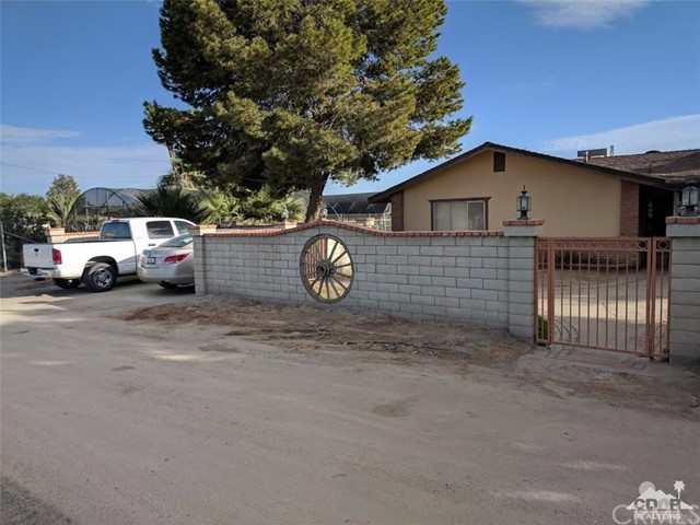 Single Family Home for Sale at 84269 58th Avenue Thermal, 92274 United States
