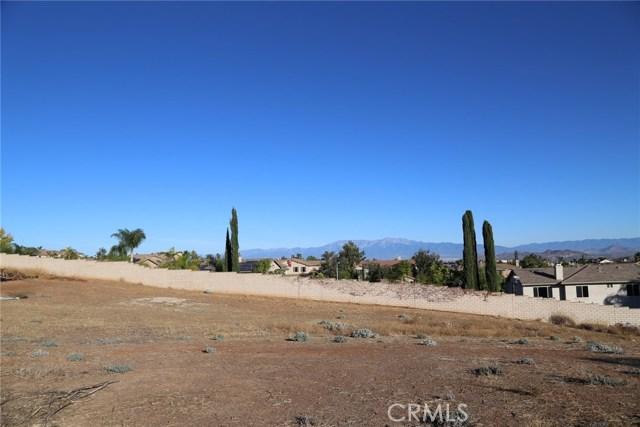 1709 Galloway Lane, Corona CA: http://media.crmls.org/medias/04efef68-00de-4533-a17a-5b5234a99f06.jpg