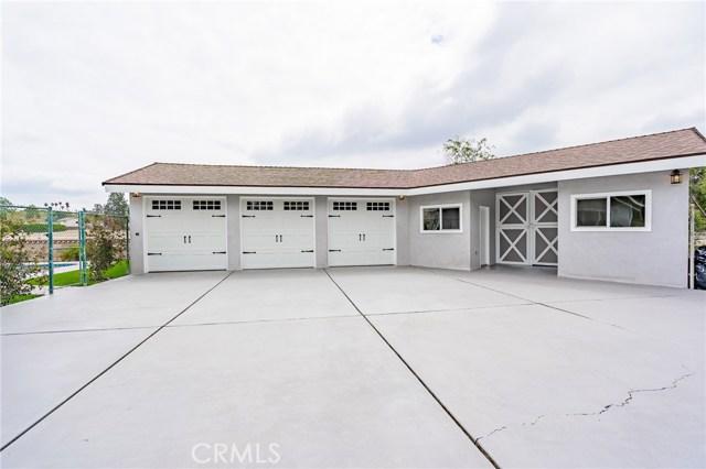 1730 La Mesa Oaks Drive, San Dimas CA: http://media.crmls.org/medias/04f252a7-3f36-4a1f-b365-035633793c50.jpg