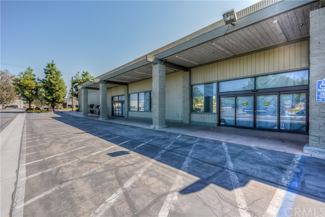 Retail for Sale at 1295 S State Street 1295 S State Street Hemet, California 92543 United States