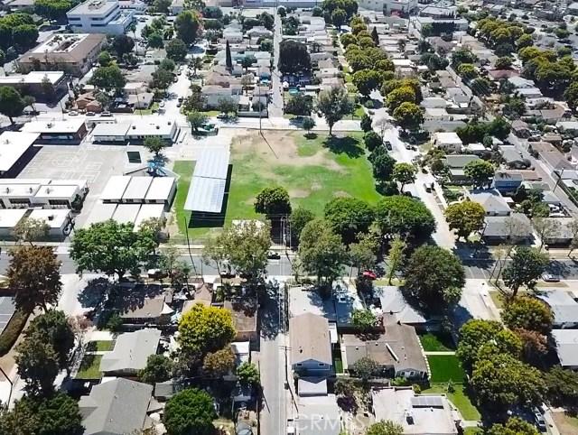 7954 Washington Avenue, Whittier CA: http://media.crmls.org/medias/04fc2370-cd69-4bdd-9ccb-8e167ada35fd.jpg
