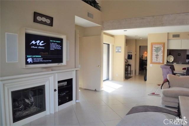 369 Wimbledon Drive, Rancho Mirage CA: http://media.crmls.org/medias/05033a16-000d-4656-9812-a0c1c0b5f618.jpg