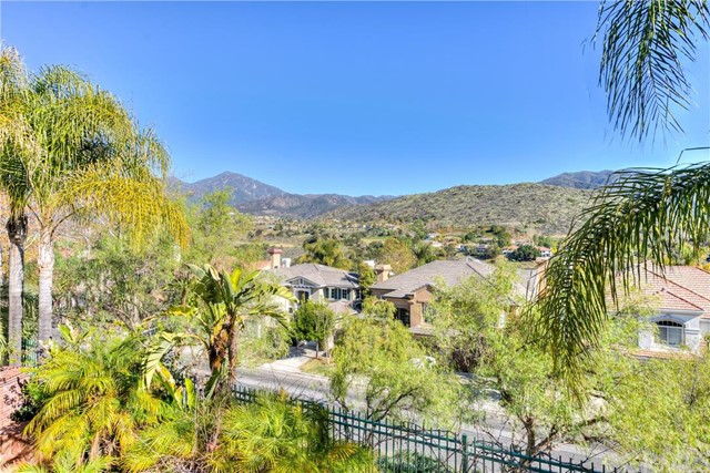 Single Family Home for Sale at 22 Thorn Oak St Rancho Santa Margarita, California 92679 United States